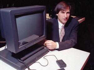 1990_steve-jobs-NeXTstation